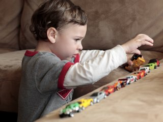 Autizmussal élő gyermek
