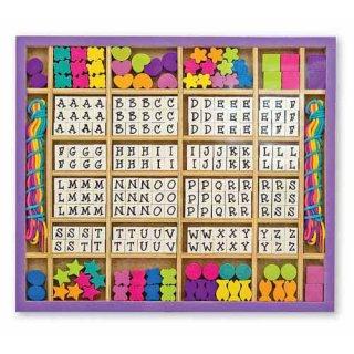 ABC-s gyöngyfűző (3774, Melissa&Doug, kreatív gyöngyfűző játék, 4-10 év)