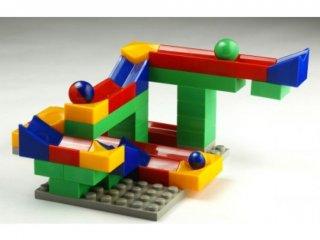Bolyongolyó, golyópálya építő játék (50 elem+1 alaplap, műanyag dobozban, 4-99 év)