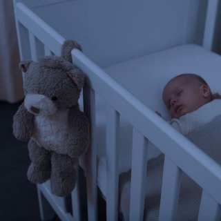 Bruno mackó babanyugtató plüss éjjeli fény hangrögzítővel, babaszoba kiegészítő (ZA)