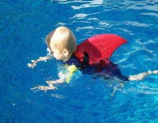 Cápauszony, Piros Swimfin mentőmellény (18 hó-9 év)