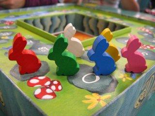 Dixit társasjáték (a legnépszerűbb asszociációs családi-, és partijáték, 8-99 év)