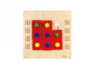 Falra szerelhető matatófal formákkal, logikai játék fából (FK, 3-6 év)