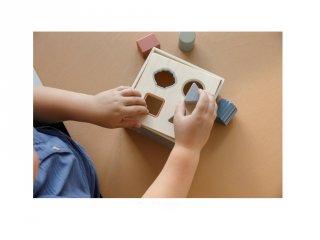 Formabedobó kocka kék, Little Dutch fa készségfejlesztő játék (7023, 1-3 év)