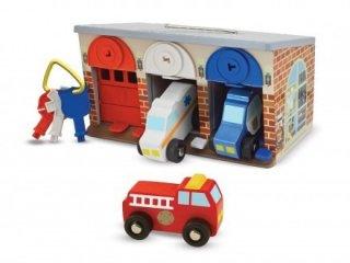 Garázs zárható ajtókkal, autókkal (Melissa&Doug, gyermek fajáték, 1-5 év)