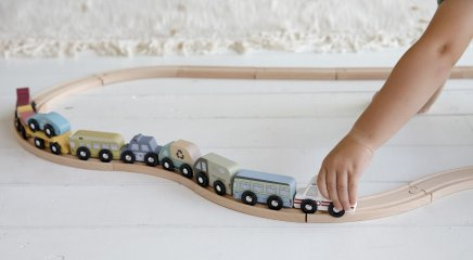 Kisautó készlet, fa vasút kiegészítő, Little Dutch 9 db-os szerepjáték (4492, 3-7 év)