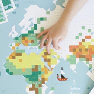 Kreatív poszter készítés 1600 db puzzle matricával, Világtérkép (Poppik, 7-12 év)