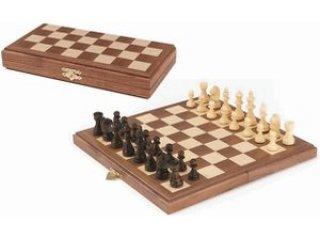 Mágneses, összecsukható fa sakk készlet (56920, Goki, 28x28 cm, 6-99 év)