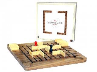 Quoridor deluxe (Gigamic, kétszemélyes stratégiai társasjáték, 6-99 év)