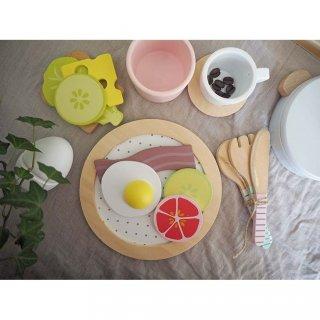 Reggeliző szett, fa szerepjáték (Jabadabado, 2-7 év)