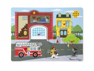 Tűzoltóállomás, hangot adó fogantyús formaberakó, bébi fajáték (MD, 736, 1-3 év)