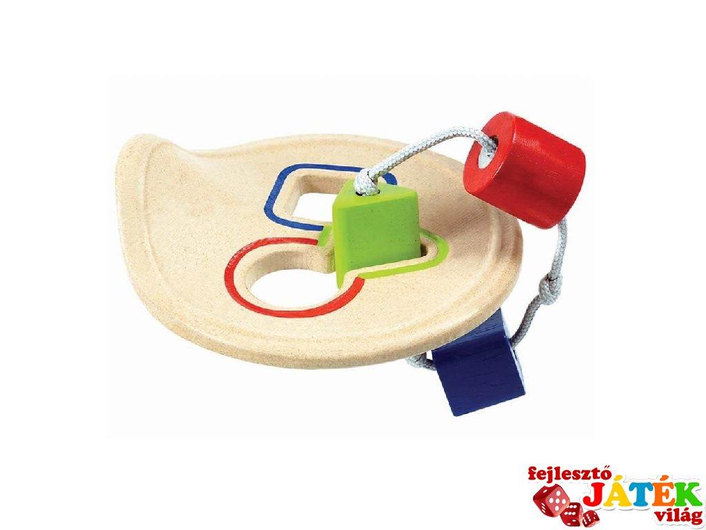Plan Toys első formaberakó, fa bébijáték